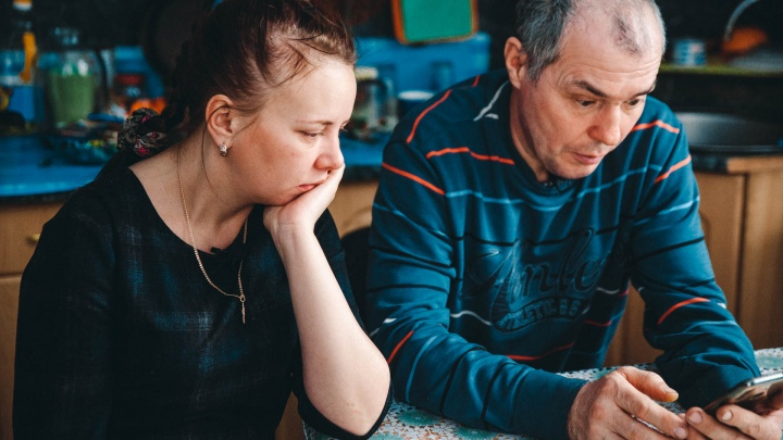 «Воспоминания захлестывают до боли»: как спустя год после гибели младенца живет семья из Заводоуковска