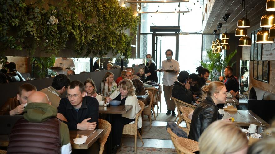 В Свердловской области под коронавирус заняты уже 85,4% коек