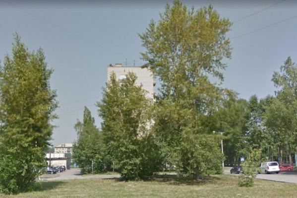Инцидент произошёл на парковке между домами по улице Республиканской и 25 лет Октября