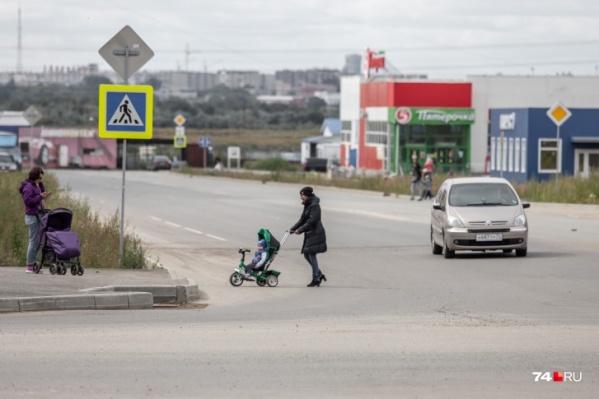 Дороги к Чурилово и в самом микрорайоне долгие годы остаются, мягко говоря, далёкими от идеала