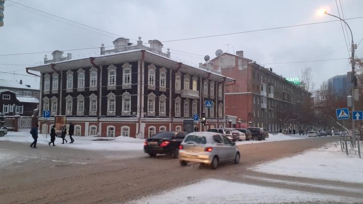 Мэр объяснил, почему на дорогах и тротуарах в Новосибирске так грязно