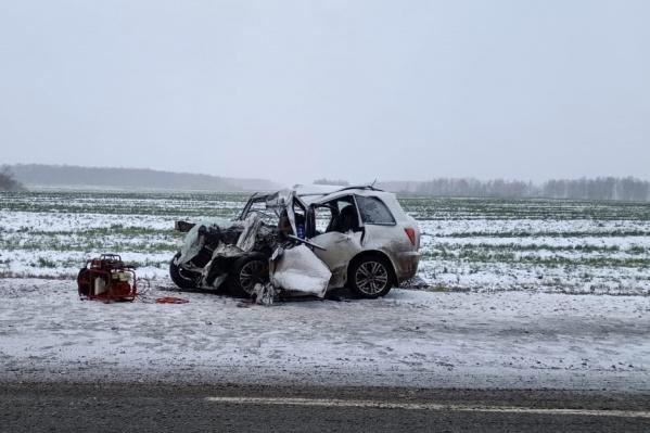 Водитель и пассажир иномарки умерли до приезда скорой помощи