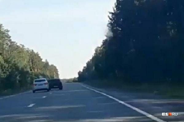 Водитель «Лады» вилял на дороге, не давая обогнать себя
