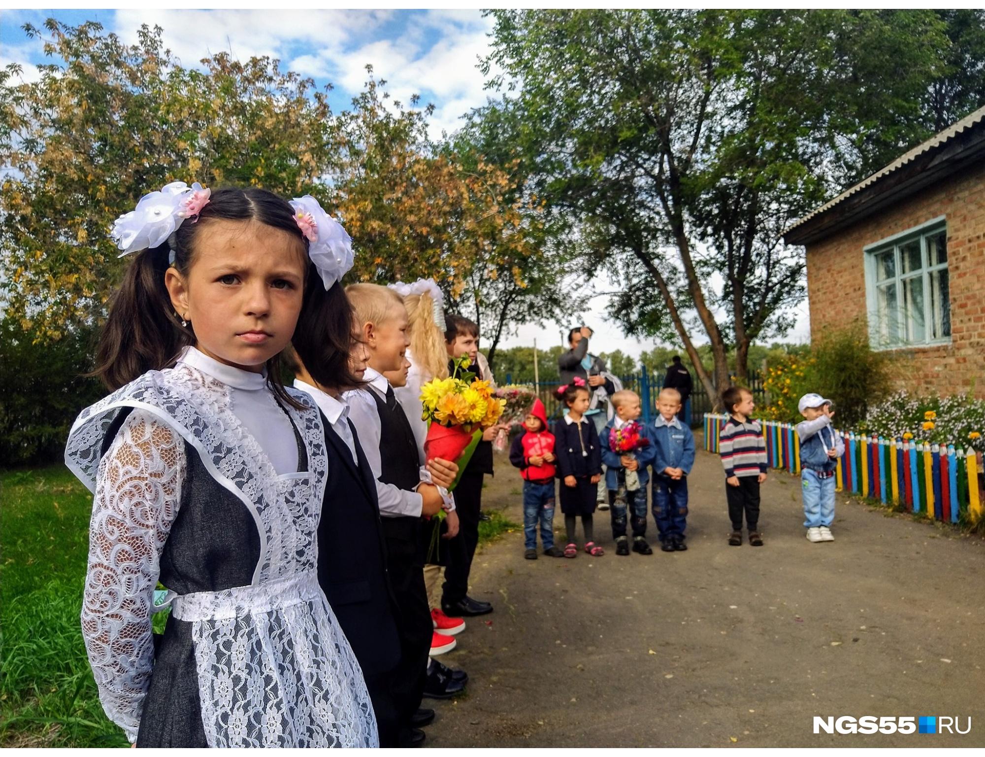 Вы не поверите, но на этой фотографии запечатлена вся школа