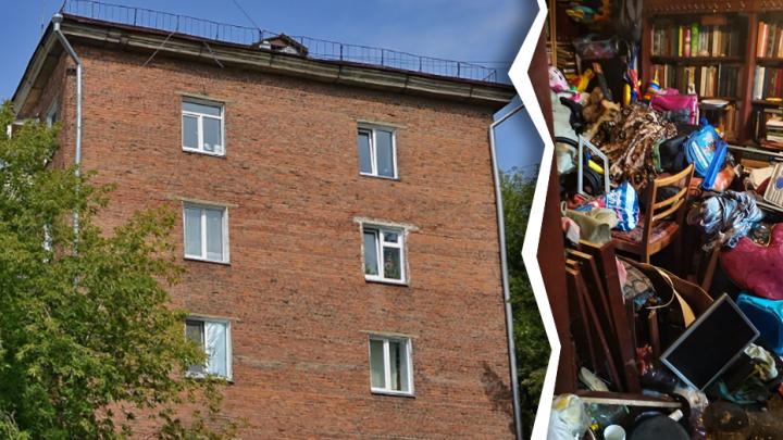 Жительница дома на Гоголя забила мусором две комнаты в квартире — хлам вынесли чиновники (фото до и после)