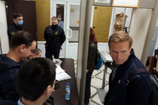Суд вот-вот должен начаться. Руслан Шаведдинов и юристы ФБК считают, что его отправили служить на Новую Землю незаконно