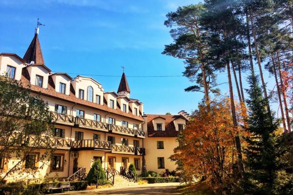 Отель «Фонград» расположен на берегу озера Тургояк