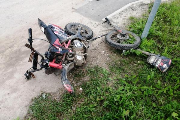 Сильнее всего пострадал мотоцикл
