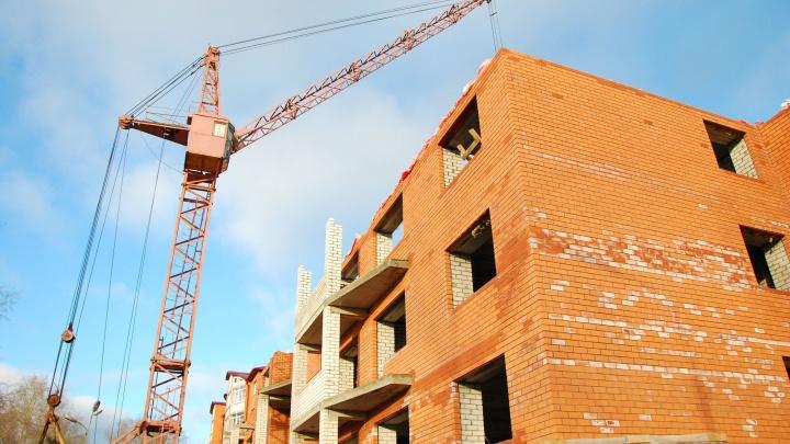 До конца октября в Архангельской области достроят семь домов для переселения из аварийного жилья