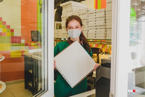 В «Иль Виаль» заказы принимают и выдают через окно