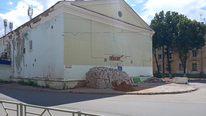 В здании кинотеатра «Октябрь» откроют развлекательный центр