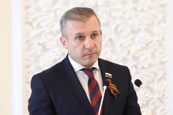 22 апреля кандидатура Ваге Петросяна на этом посту была согласована депутатами областного собрания депутатов