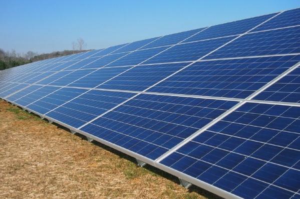 Нововаршавская солнечная электростанция станет одной из крупнейших в Сибири, утверждают в региональном правительстве