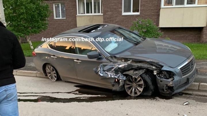 «Хорошо бегут»: в Уфе сняли на видео виновников ДТП, которые поспешили покинуть место аварии