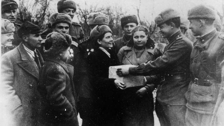 Фронтовой инстаграм: как рабочие куйбышевского ЗиМа завязали дружбу со сталинградскими фронтовиками