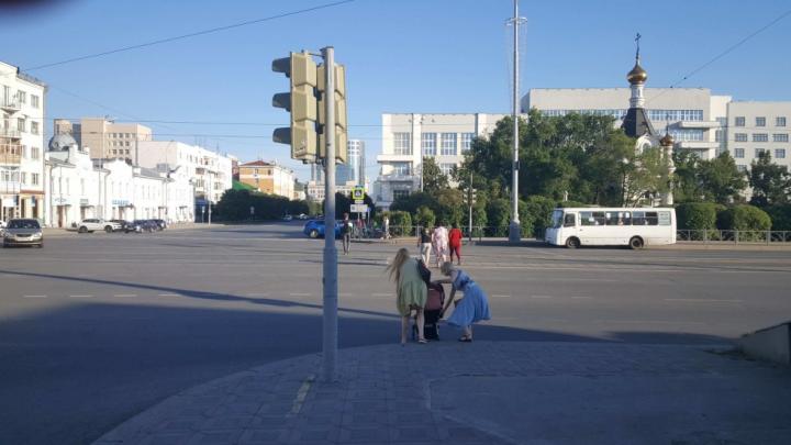 В мэрии Екатеринбурга рассказали, когда вернут «народный» пешеходный переход на Ленина — Пушкина