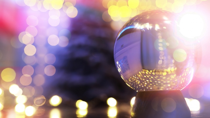 Каким будет твой 2021 год: волшебный шар предсказывает будущее и исполняет желания