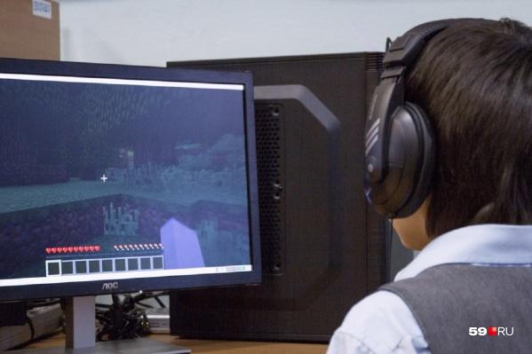 Современные дети много времени проводят за компьютером, в том числе — в интернете