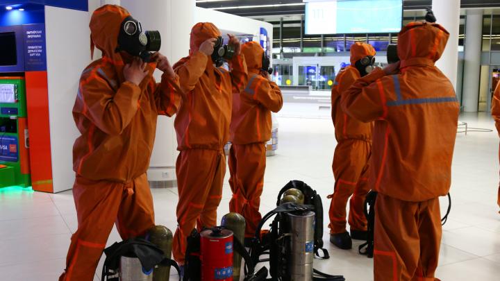 Видео дня. Аэропорт Стригино тщательно продезинфицировали после возвращения туристов из-за границы