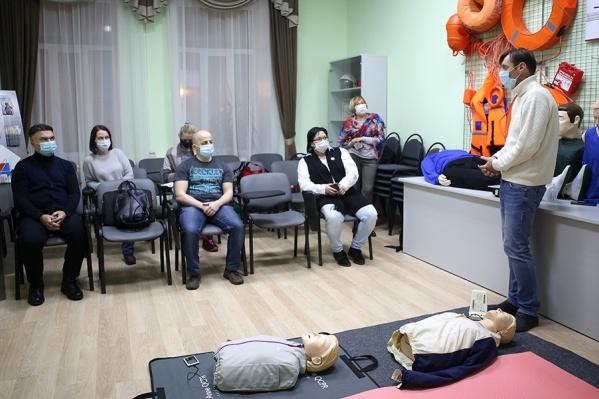 Волонтеры ДЦ«Медведь» собрались на тренинге по формированию навыковоказания первой помощи
