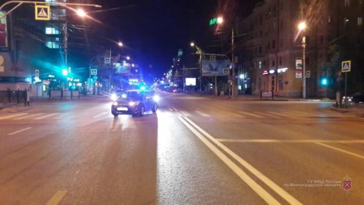 Виноват не водитель и не велосипедист, а мэрия: в Волгограде на пешеходном переходе сбили велосипедиста