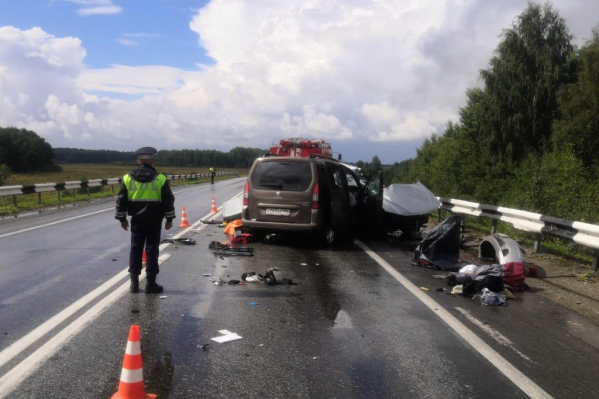 ВодительHyundai не справился с управлением на мокрой дороге и вылетел на встречку