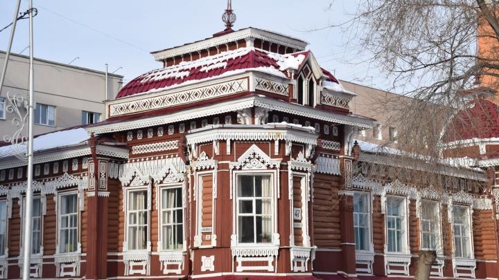 В Кургане завершили ремонт двух исторических домов на улицах Куйбышева и Советской