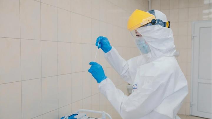 За последние сутки коронавирус выявили у жителей 14 территорий Прикамья