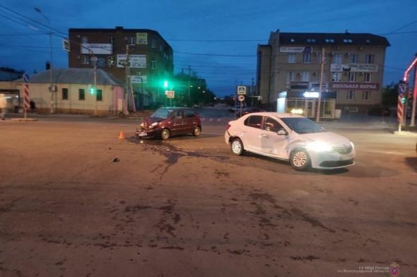Авария произошла на пересечении Ткачева и Рокоссовского