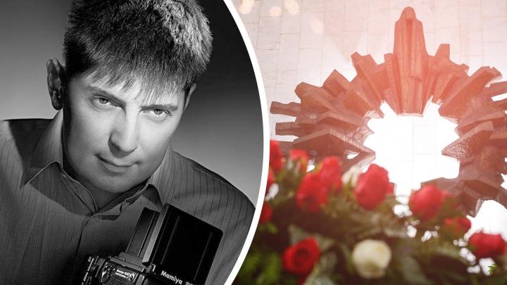 Родственники Ильи Строкова назвали дату прощания с фотографом