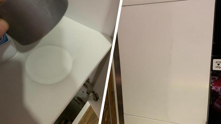 Водой не отмыть: в квартирах в центре Новосибирска стала оседать странная жирная пыль