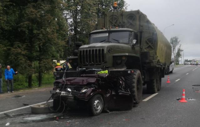 Смертельное ДТП под Ярославлем: за рулем военного грузовика, смявшего «Ниву», сидел молодой срочник