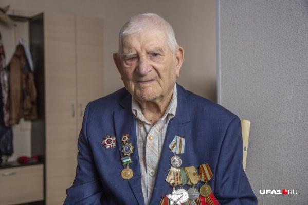 Сергей Оловянников до сих пор помнит, как воевал за родину