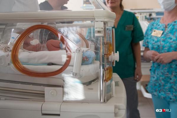 Младенцы рискуют заразиться от матерей и больных