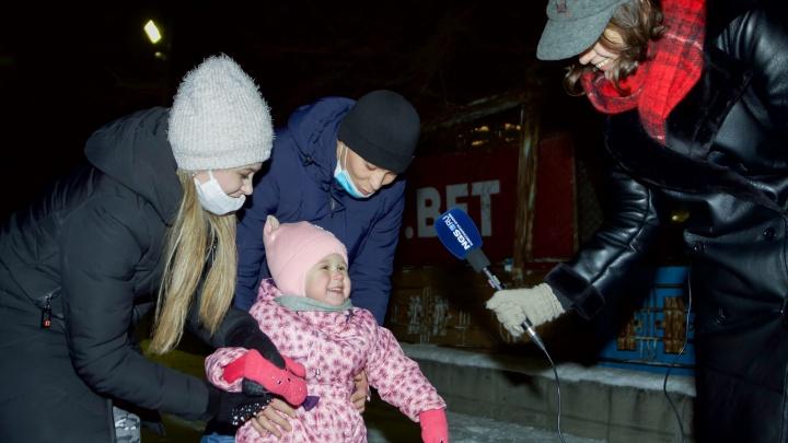 Тест-драйв самого большого катка в Новосибирске (он уже открыт): график работы, цены и качество льда