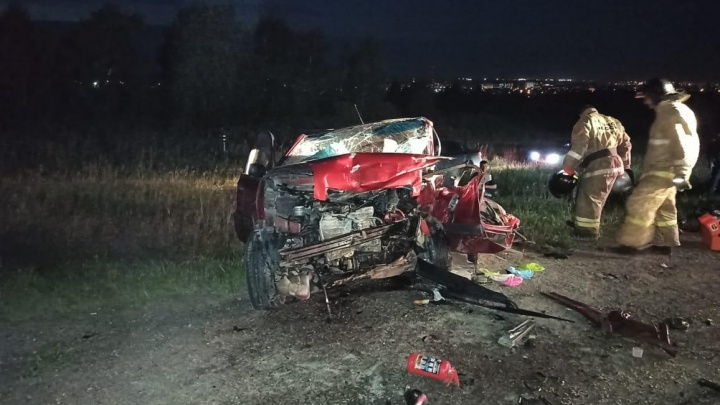 В Зауралье в лобовом столкновении на трассе погибли три человека