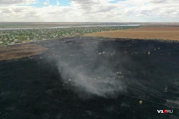 Степные пожары подбираются все ближе к Волгограду