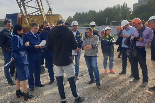 Со строителями встретился прокурор области Павел Бухтояров