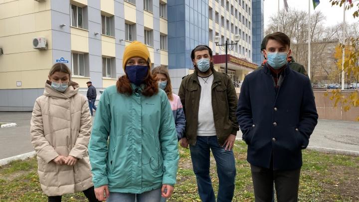 Тюменский медуниверситет отрицает угрозы отчислить студентов за отказ работать в поликлиниках