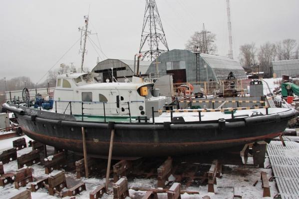 Собственный флот Беломорской сплавной компании, которая входит в ГК «Титан» насчитывает 20 буксиров, четыре плавкрана и 26 барж<br>