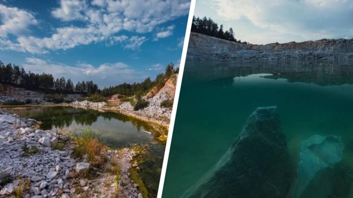 Фотограф нашёл на Урале карьер с бирюзовой водой, который красив и летом, и зимой