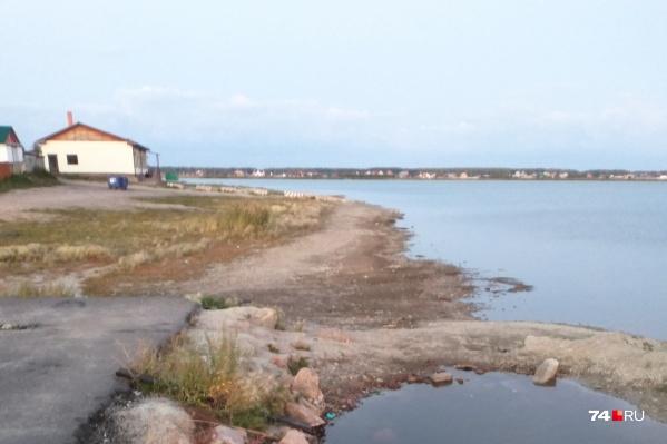 Озеро стало меньше на несколько метров