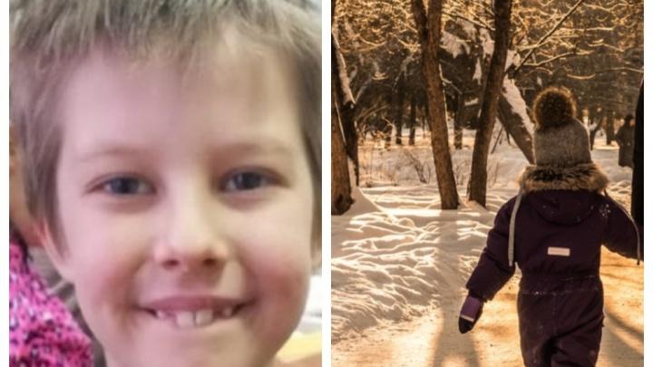 В Академгородке ищут 8-летнего ребёнка на самокате — мальчик не вернулся домой с прогулки