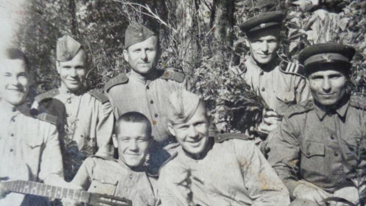 Фронтовой инстаграм: «Иногда нахлынут воспоминания, как пленные японцы делали харакири»