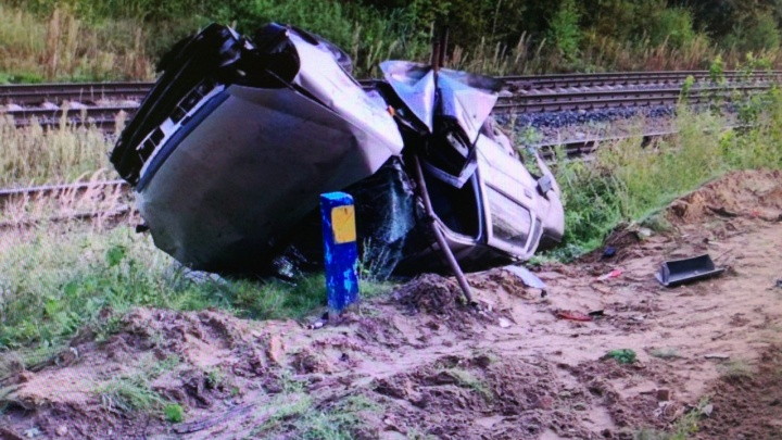 В Нижегородской области водитель легковушки погиб, попав под колеса КАМАЗа