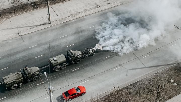 Это надо видеть: на дороги Челябинска для дезинфекции вывели спецтехнику с авиационным двигателем