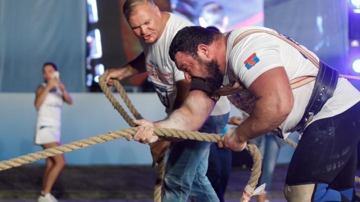 От бодибилдера до мастера ногтевого сервиса: смотрим фотографии сильных мужчин Волгограда