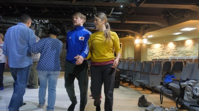 Финские артисты устроили кастинг для новосибирцев — они выбрали пару, которая выйдет с ними на сцену