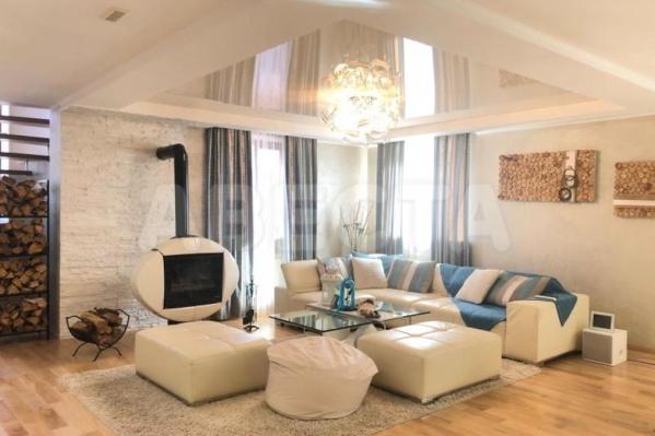 Хозяева предпочитают мебель и отделку светлых тонов