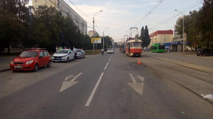 У ТЦ «Буревестник» маршрутка наехала на пешехода: мужчина скончался в больнице